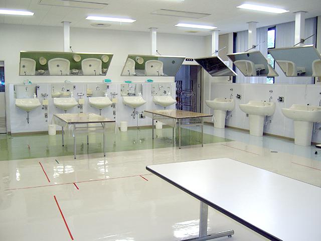 静岡県中部看護専門学校画像